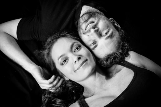 NICOLAS RAVINAUD PHOTOGRAPHE PERIGUEUX DORDOGNE PORTRAIT SEANCE STUDIO SHOOTING COUPLE DUO